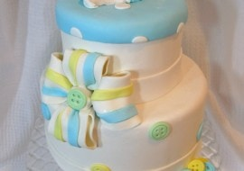 Learn how to make a beautiful gum paste bow with four loops in this MyCakeSchool.com cake decorating video tutorial.