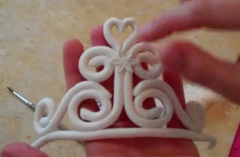 Learn how to make a Gum Paste Tiara Topper in this MyCakeSchool.com member cake video!