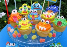 Fun, FREE Monster Cupcake Tutorial by MyCakeSchool.com! Perfect for kids parties and Halloween!