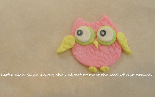 Owl Cupcake Tutorial by MyCakeSchool.com! Learn to make owl cupcake toppers and a 3D owl cake topper!