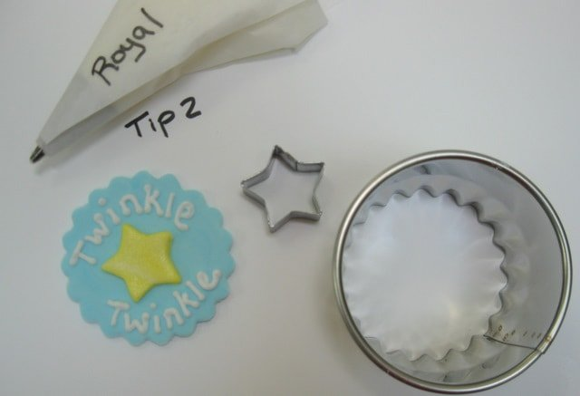 CUTE Nursery Rhyme Cupcake Tutorial by MyCakeSchool.com! Free Tutorial and perfect for baby showers!