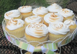 Learn to make meringue for Lemon Meringue Cupcakes in this fabulous My Cake School video tutorial!