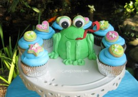 Adorable frog cake tutorial by MyCakeSchool.com! Free tutorial!