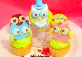 Owl cupcake tutorial by MyCakeSchool.com! Learn to make owl cupcake toppers and a 3D owl cake topper in this free tutorial!