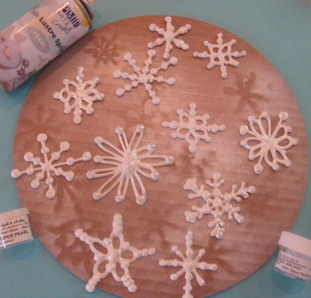 Let it Snow!- Royal Icing Snowflake Tutorial!