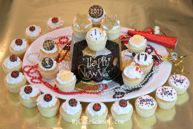 These New Year Cupcakes are the perfect way to celebrate! So much fun! Free tutorial.