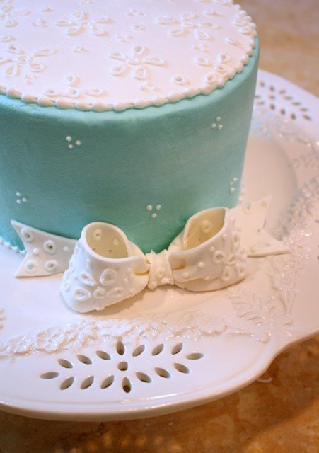 Elegant Eyelet Cake! Free step by step cake tutorial by MyCakeSchool.com!