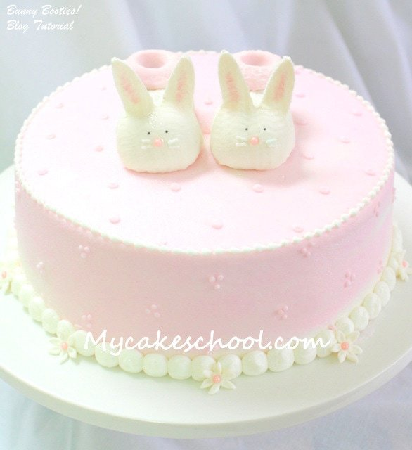 SWEET baby booties tutorial! MyCakeSchool.com free tutorial!