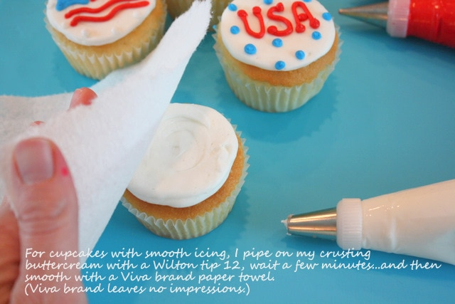 Simple July 4th Cupcake Tutorial by MyCakeSchool.com!