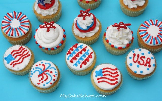 These buttercream and candy coating July 4th Cupcake designs are so simple to make! Free cupcake tutorial by MyCakeSchool.com!