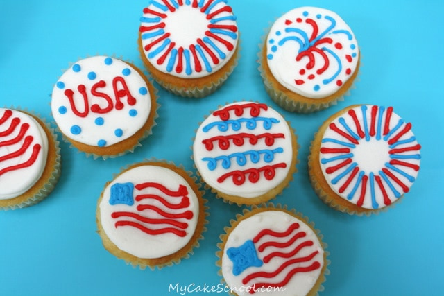 These bright buttercream July 4th Cupcake designs are so simple and fun! Free cupcake tutorial by MyCakeSchool.com!