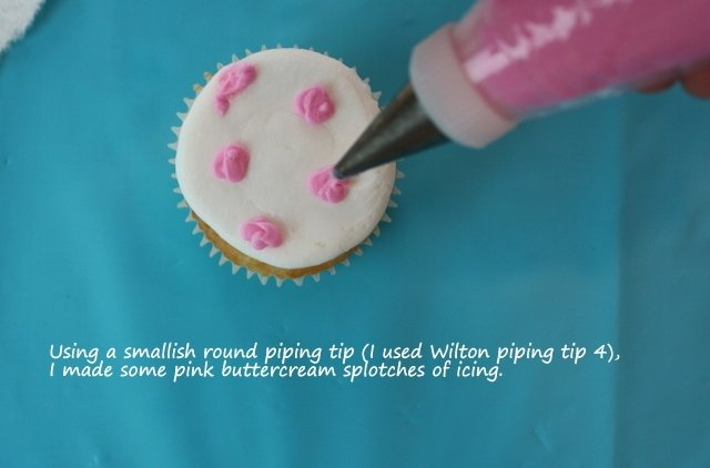 Learn how to make Leopard Print Cupcakes in this MyCakeSchool.com free cake tutorial!