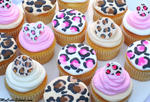 Leopard Print Cupcake Tutorial! Leopard Buttercream Tutorial & Leopard Print Cupcake Toppers! Free Blog and Video Tutorial! MyCakeSchool.com.