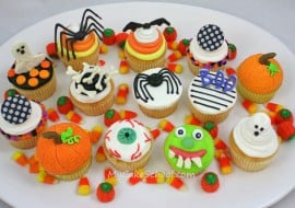 Free Halloween Cupcake Tutorial by MyCakeSchool.com! PERFECT for Halloween Parties!
