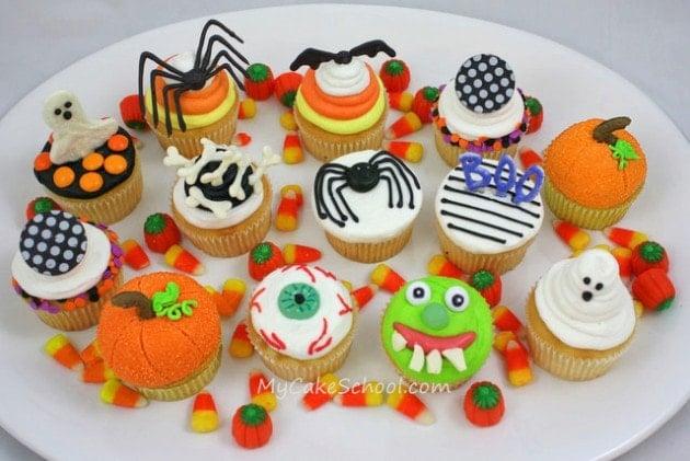 Free Halloween Cupcake Tutorial by MyCakeSchool.com! PERFECT for Halloween Parties!