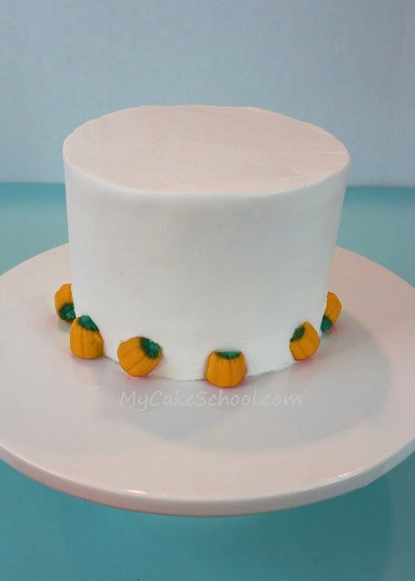 Kids will love this sweet Ghost Cake Topper! Free and easy tutorial by MyCakeSchool.com!