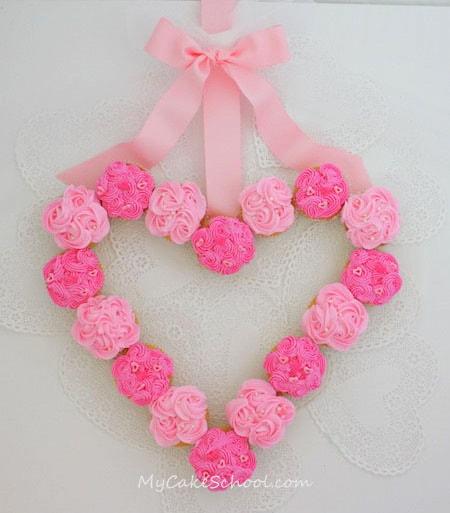 Sweet Valentine's Cupcake Wreath- Cake Decorating Tutorial!