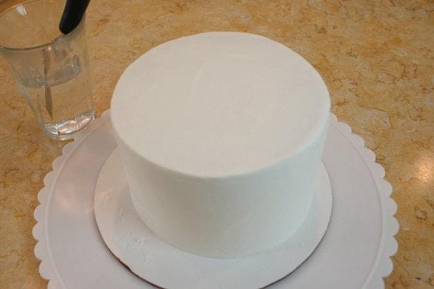 How to Make a Puppy Cake! A free cake decorating tutorial by MyCakeSchool.com!