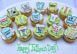 Free Father's Day Cupcake Tutorial by MyCakeSchool.com! Adorable Tie and Tshirt cupcake toppers!