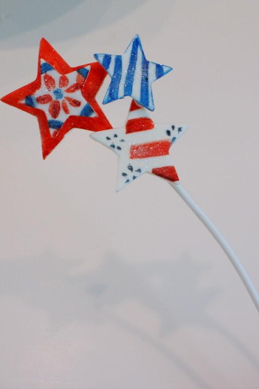 We Heart America! A festive and simple patriotic Cake Tutorial by MyCakeSchool.com! Free Cake Tutorial!