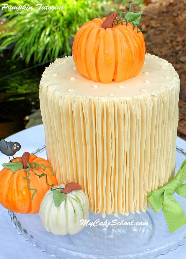 Free Pumpkin Cake Topper Tutorial by MyCakeSchool.com! Perfect for fall and Thanksgiving cake decorating!