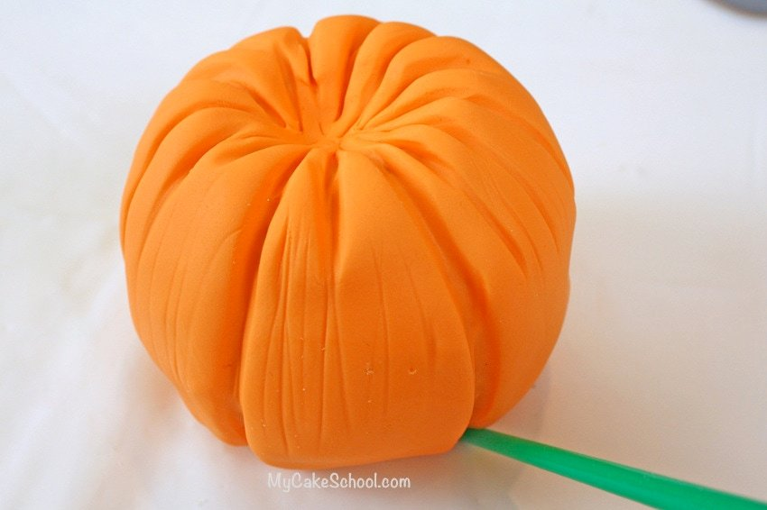 Free Cake Topper Tutorial by MyCakeSchool.com! Learn to make adorable pumpkins for your fall cakes! So simple!