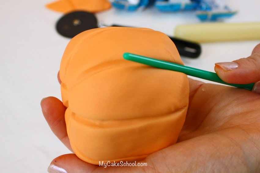 Beautiful Pumpkin Cake Topper Tutorial! Learn to make pumpkins for your fall and Thanksgiving cakes in this free tutorial by My Cake School!