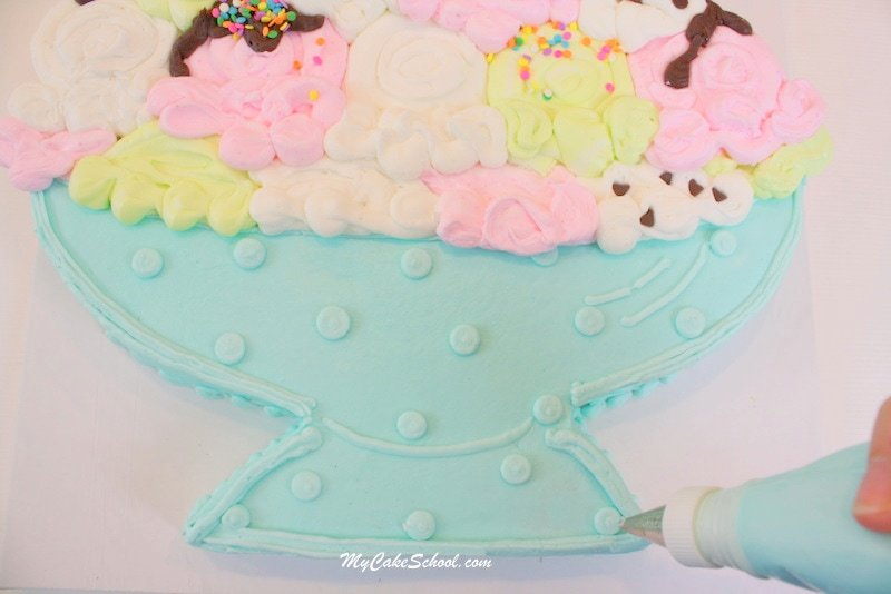 CUTE Ice Cream Sundae Cupcake Cake Tutorial by MyCakeSchool.com! This free step by step cupcake-cake tutorial is perfect for summer gatherings!