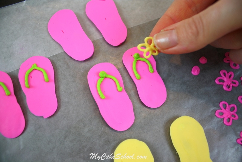 The cutest Flip Flop Cupcake Tutorial by MyCakeSchool.com! Free step by step tutorial!