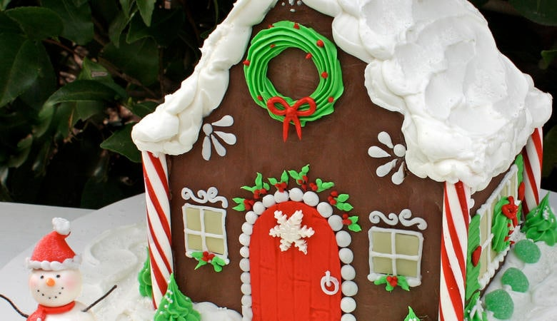 Gingerbread House Cake~Video Tutorial