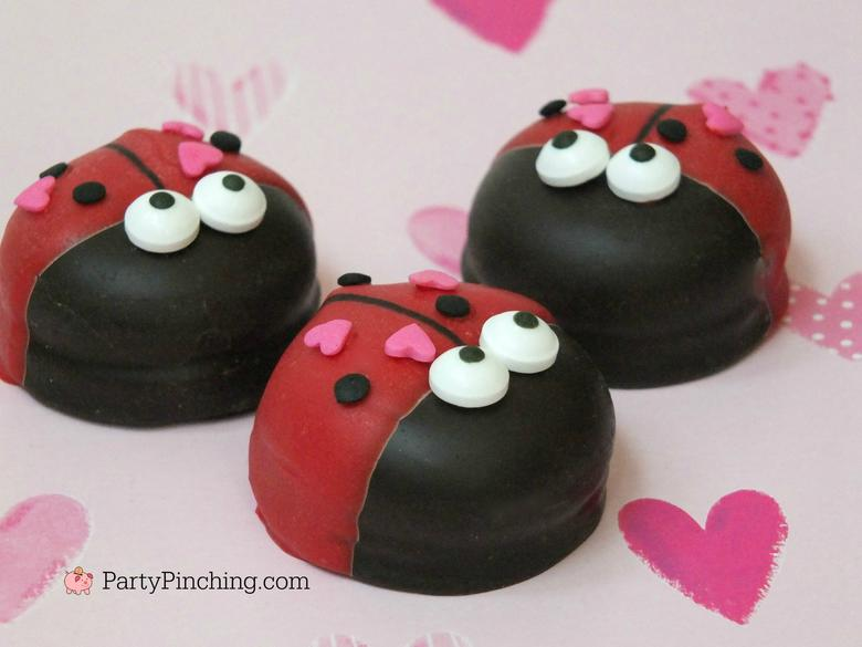 Love Bugs by Party Pinching, as featured in MyCakeSchool's Roundup of Valentine's Sweets