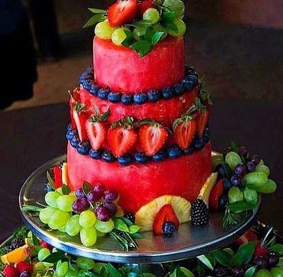 LOVE this Watermelon and Fruit Cake as featured on My Cake School's Summer Cake Roundup (via Popsugar)