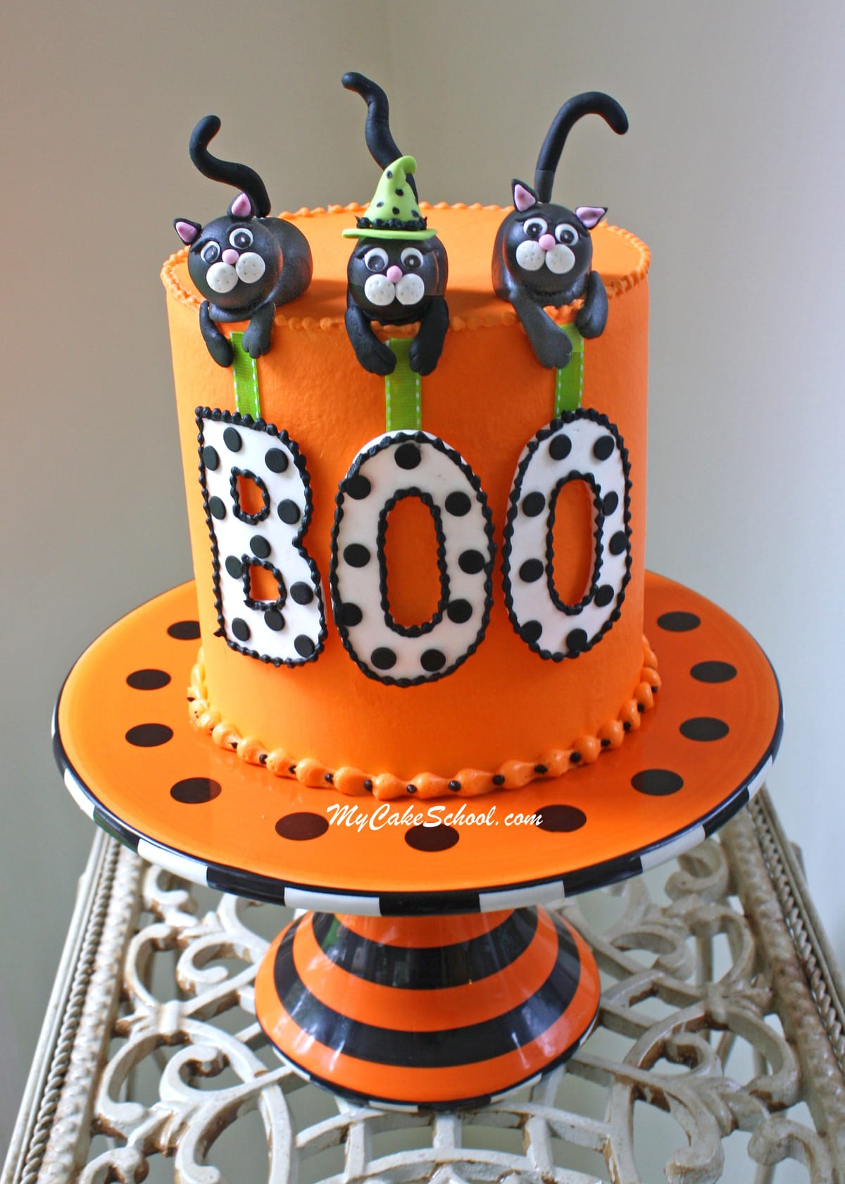 Roundup of the BEST Halloween Cakes, Tutorials, and Ideas  My