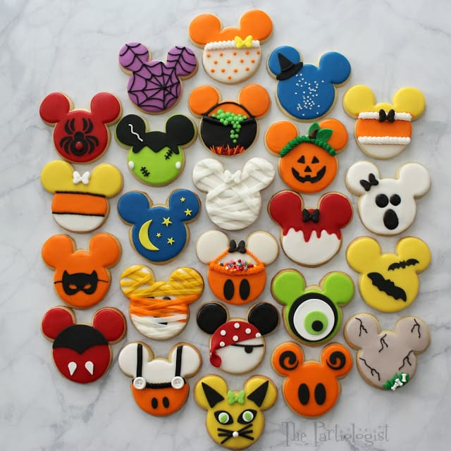 ADORABLE Disney themed Halloween Mickey Cookies by the Partiologist (as featured on MyCakeSchool.com's Roundup of Halloween Ideas!)