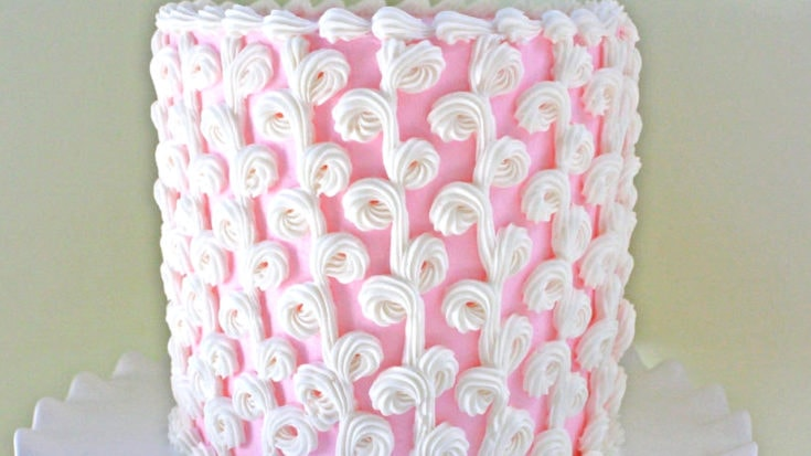 Elegant Loopy Buttercream PIping
