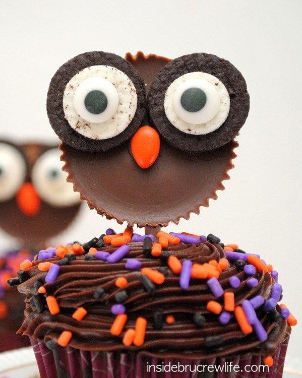 CUTE Reese's Owl Cupcakes by Inside Bru Crew Life (as featured on MyCakeSchool.com's Halloween Cake Roundup)