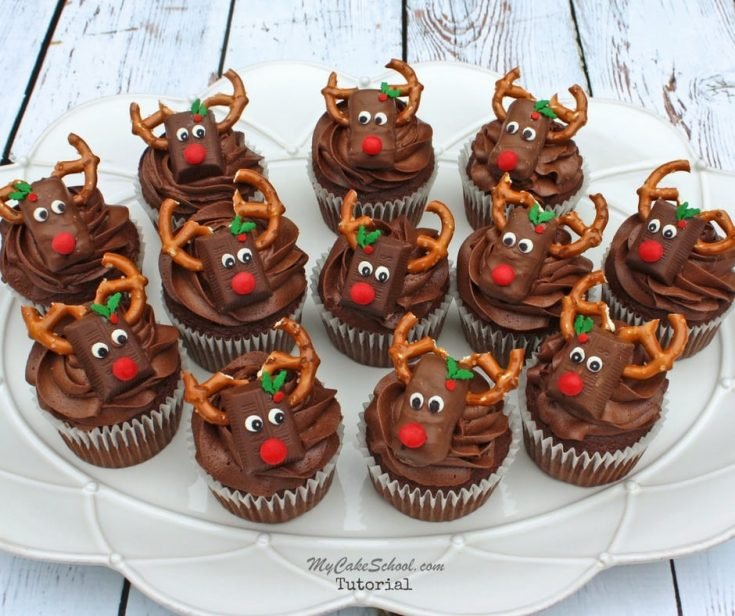 CUTE Reindeer Candy Bar Cupcakes! Learn to make them in our free video tutorial! Perfect for Christmas parties, and easy enough for kids to help!