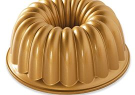 This Nordic Ware Elegant Party Pan makes for beautiful cake!
