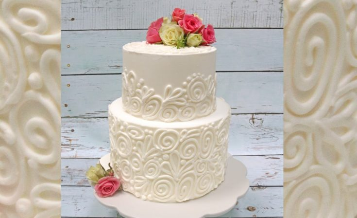 Pretty Piping Design (with fresh flowers) - Member Cake Video