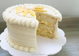 Moist Peaches and Cream Layer Cake Recipe