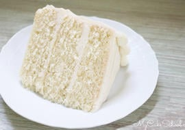 Moist and Delicious Vanilla Bean Cake
