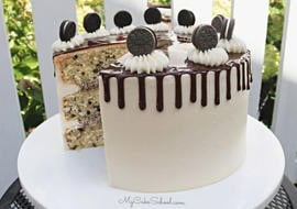 This Cookies and Cream Cake Recipe is the best!