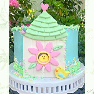 Sweet Birdhouse Cake