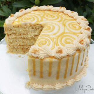 Delicious Apple Toffee Caramel Cake with Cinnamon Cream Cheese Frosting